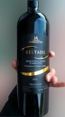 grafica etichette vino 225x400 Design etichetta Beltade bottiglia troncoconica   Margiotta Vini (Aq)
