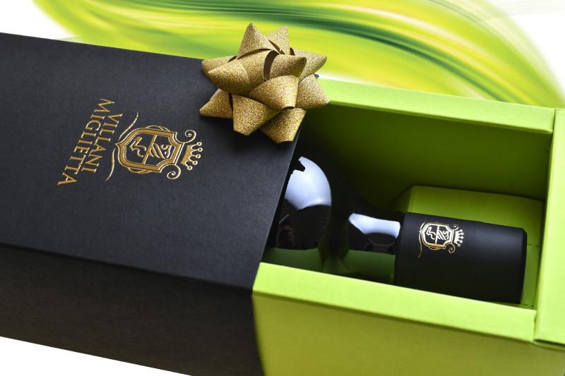 confezione olio misciali 800x533 Progetto grafico etichetta olio   Villani Miglietta